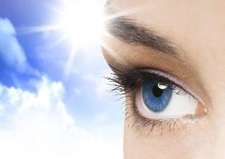 Как защитить глаза летом